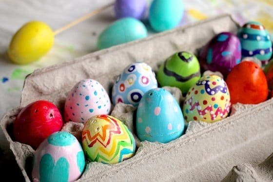 carton painted plastic eggs horiz