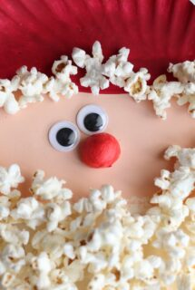 Popcorn Santa Face Close-Up