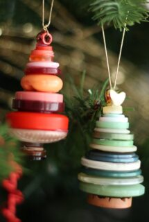 red button tree, green button christmas tree ornament - feature image