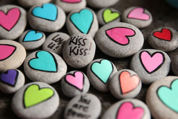 Kiss Kiss Worry Stone for Kids with Separation Anxiety