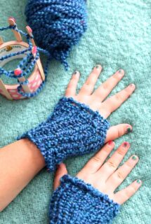homemade gloves on kids hands feature image