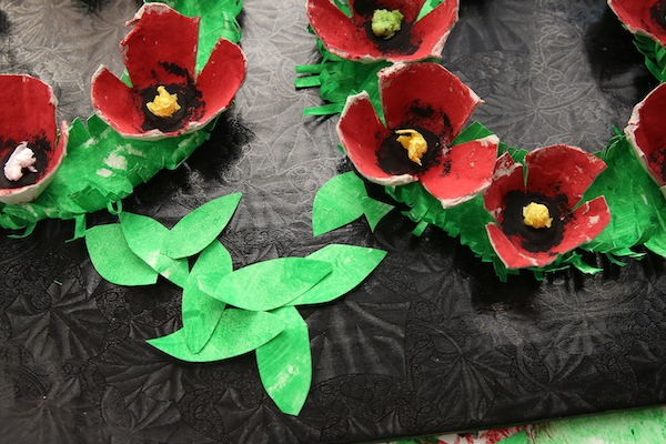 close up leaves poppy wreath