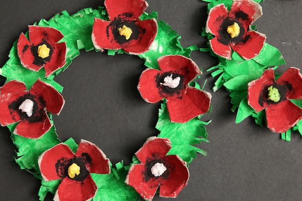 horizontal poppy wreath