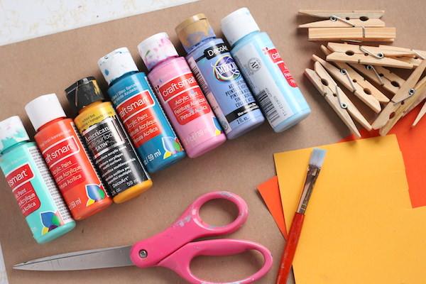 Paint, cardboard, clothespins, card stock, scissors